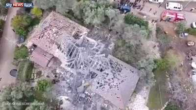 فيديو من الجو يرصد الدمار الذي خلفه الصاروخ شمال تل أبيب
