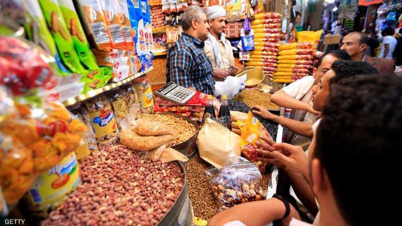 ما إن يحل رمضان، حتى تتنوع مظاهر وطقوس استقباله، في دول العالم الإسلامية.