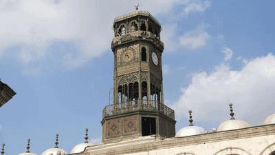 بالصور.. إعادة البريق إلى أول ساعة دقاقة في مصر